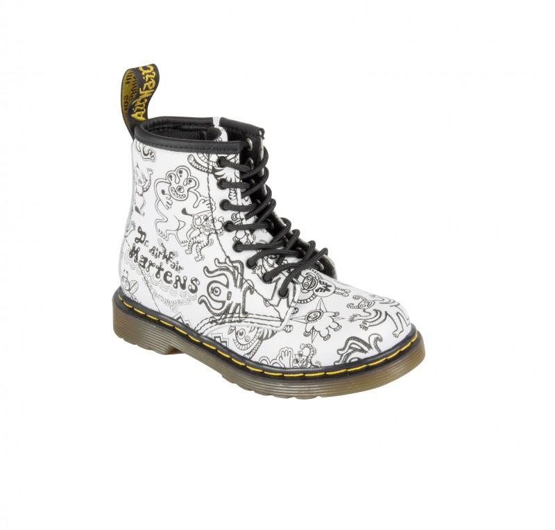 9dbf23b354c35 BROOKLEE B WIGGY WORLD Boots zippées en cuir – illustration par Mark Wigan  PVC   80€