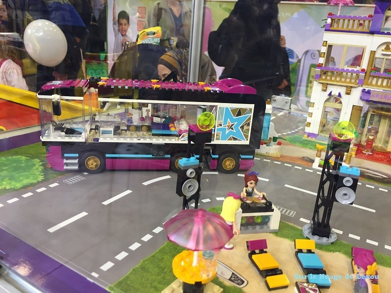 Lego friends la tournée en bus