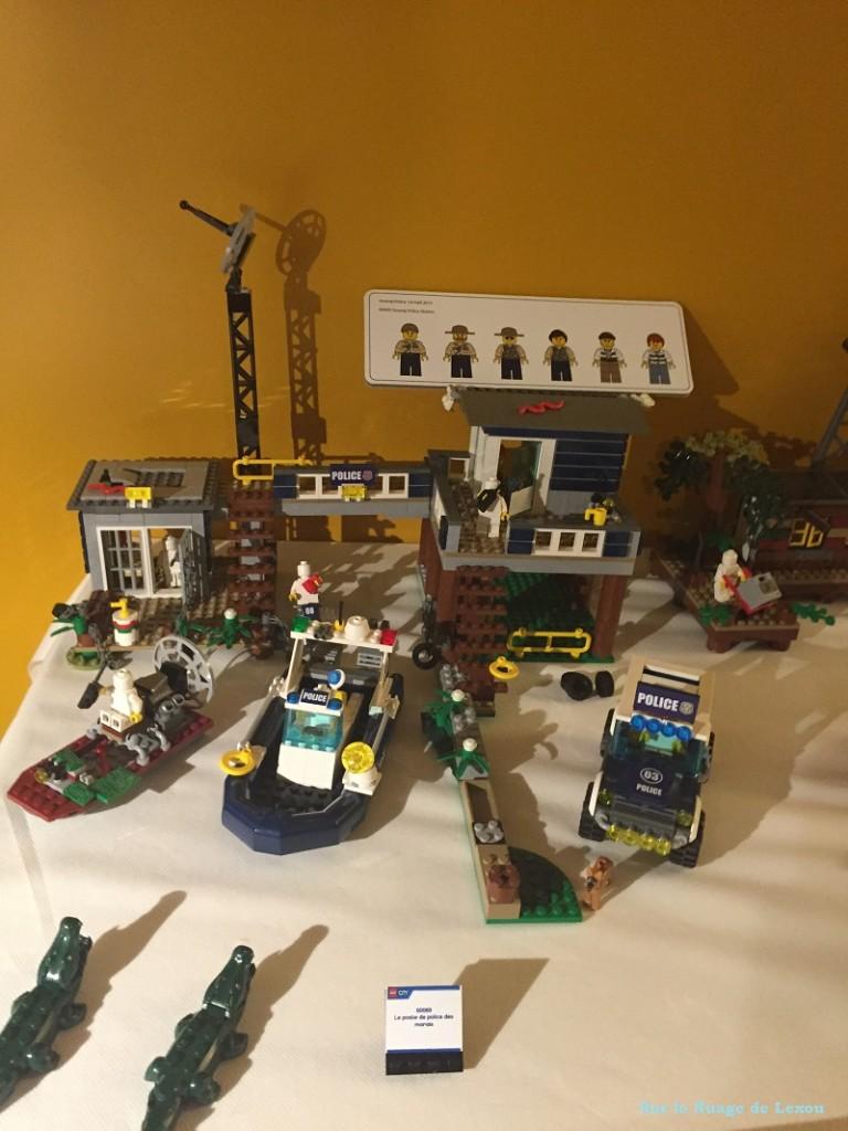 Poste police marais Lego