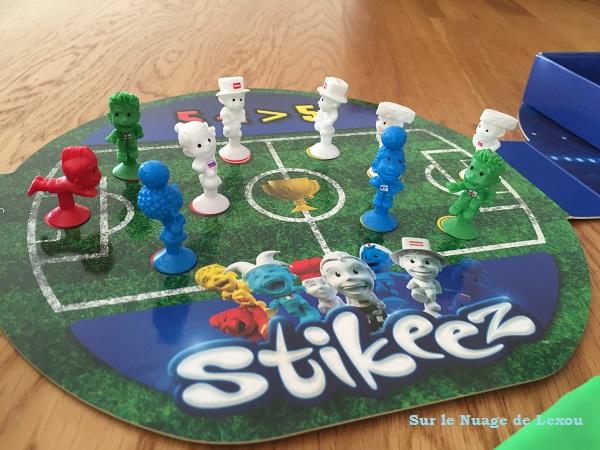 plateau jeu Stikeez foot