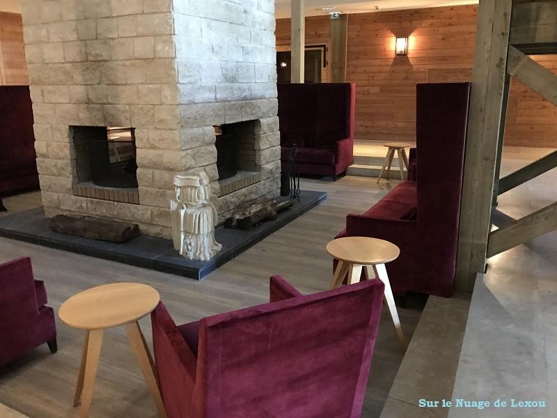 HOTEL TROIS HIBOUX LOBBY