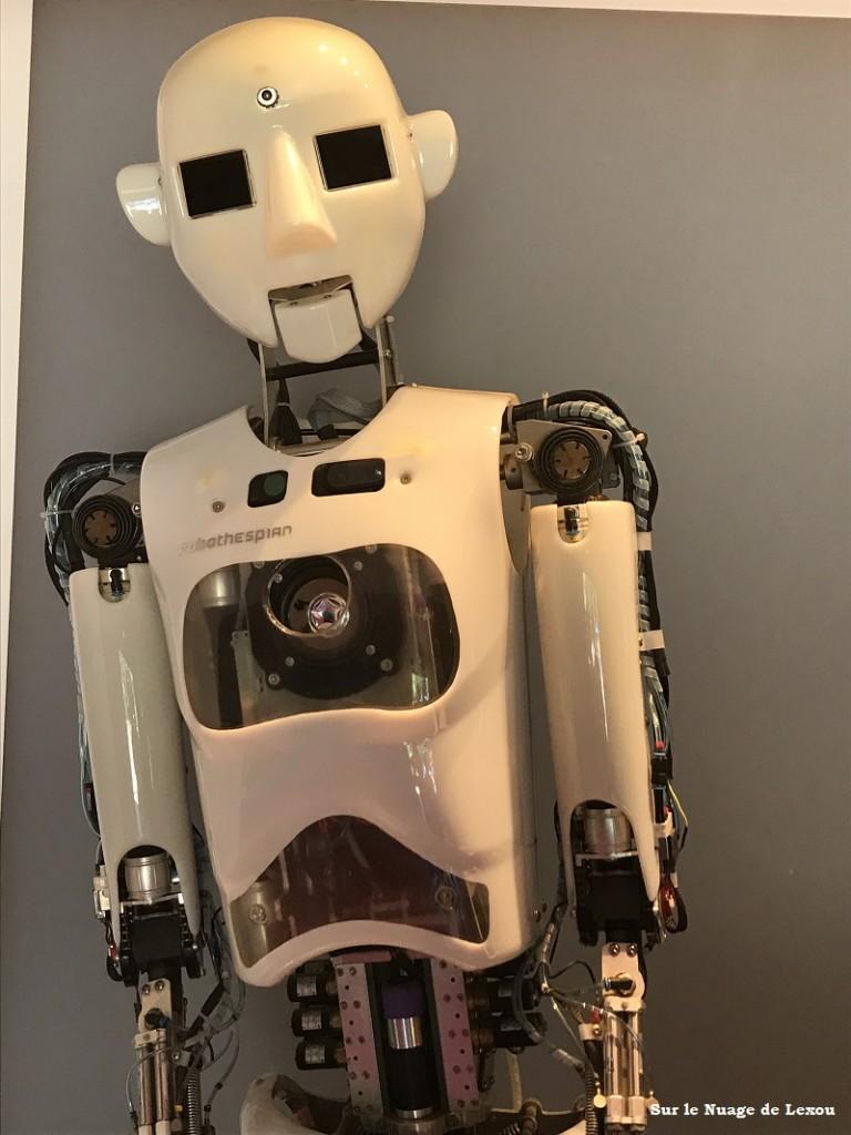 DANSE AVEC LES ROBOTS