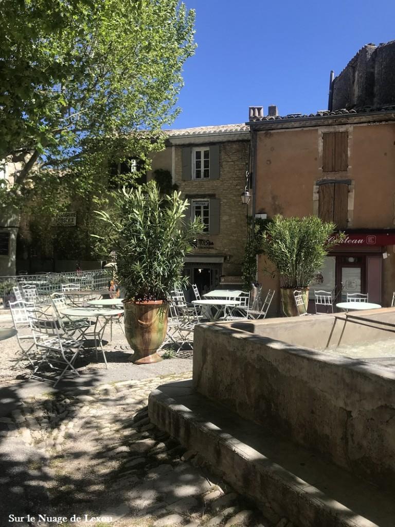 place-gordes-vaucluse