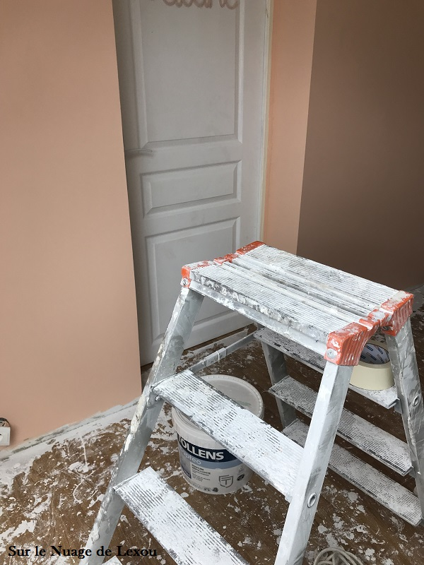 renovation-chambre-fille-peinture-rose-pamplemousse-tollens